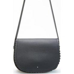 Torebka typu saddle bag - Czarny. Czarne torebki do ręki damskie Reserved. W wyprzedaży za 79.99 zł.