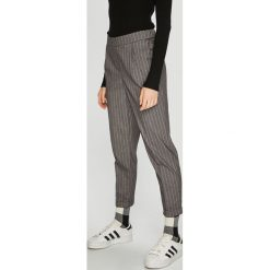 Broadway - Spodnie. Szare spodnie materiałowe damskie Broadway, z poliesteru. W wyprzedaży za 199.90 zł.