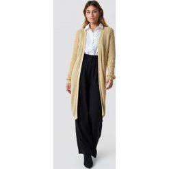 NA-KD Sweter z obniżonymi ramionami - Beige. Brązowe swetry damskie NA-KD, ze splotem. Za 202.95 zł.