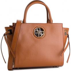 Torebka GUESS - HWVG7 18606 COG. Brązowe torebki do ręki damskie Guess, z aplikacjami, ze skóry ekologicznej. Za 649.00 zł.