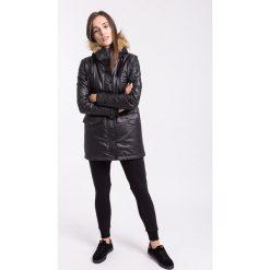 Spodnie dresowe damskie SPDD005Z - czarny. Czarne spodnie dresowe damskie 4f, na jesień, z nadrukiem, z bawełny. W wyprzedaży za 99.99 zł.