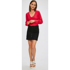Trendyol - Bluzka. Szare bluzki damskie Trendyol, z nylonu, casualowe. W wyprzedaży za 69.90 zł.