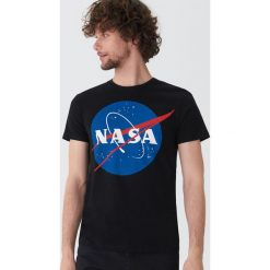 T-shirt NASA - Czarny. T-shirty męskie marki Giacomo Conti. Za 49.99 zł.