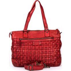 Skórzana torebka w kolorze czerwonym - 38 x 29 x 15 cm. Torby na ramię damskie neropantera, w paski, ze skóry. W wyprzedaży za 478.95 zł.