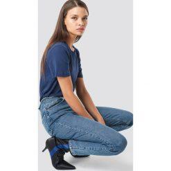 NA-KD Basic T-shirt basic - Blue,Navy. Niebieskie t-shirty damskie NA-KD Basic, z bawełny, z okrągłym kołnierzem. Za 52.95 zł.