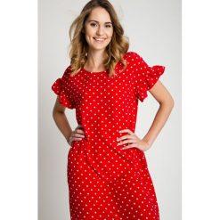 Czerwona sukienka w białe kropki BIALCON. Białe sukienki damskie BIALCON, na lato, w kropki. Za 219.00 zł.