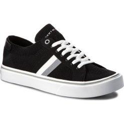 Tenisówki TOMMY HILFIGER - Lightweight Corporate Sneaker FM0FM01619 Black 990. Czarne trampki męskie Tommy Hilfiger, z gumy. W wyprzedaży za 239.00 zł.