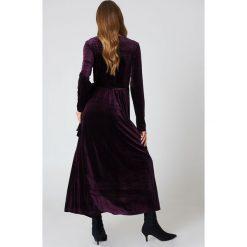 Rut&Circle Aksamitna sukienka-płaszcz - Purple. Sukienki damskie Rut&Circle, z kopertowym dekoltem. W wyprzedaży za 81.18 zł.
