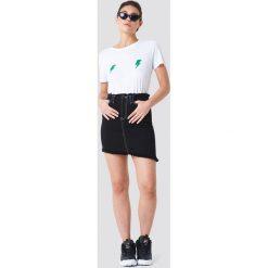 Rut&Circle T-shirt Lightning - White. Białe t-shirty damskie Rut&Circle, z nadrukiem, z bawełny, z okrągłym kołnierzem. W wyprzedaży za 48.57 zł.