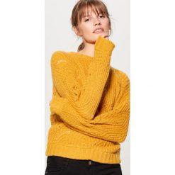 Ażurowy sweter z domieszką wełny - Żółty. Żółte swetry damskie Mohito, z wełny. Za 119.99 zł.