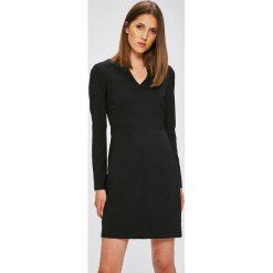 Trendyol - Sukienka. Czarne sukienki damskie Trendyol, z elastanu, casualowe, z długim rękawem. W wyprzedaży za 89.90 zł.