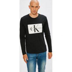 Calvin Klein Jeans - Longsleeve. Czarne bluzki z długim rękawem męskie Calvin Klein Jeans, z nadrukiem, z bawełny, z okrągłym kołnierzem. Za 249.90 zł.