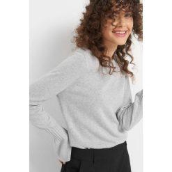 Sweter z domieszką kaszmiru. Szare swetry damskie Orsay, z dzianiny. Za 119.99 zł.