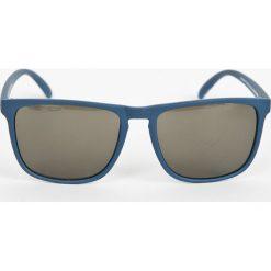DC - Okulary EDYEY03003. Szare okulary przeciwsłoneczne męskie DC, z materiału. W wyprzedaży za 99.90 zł.
