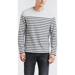 """Sweter """"LS Mission"""" w kolorze czarno-szarym. Czarne swetry przez głowę męskie Levi's, w paski, z bawełny, z okrągłym kołnierzem. W wyprzedaży za 86.95 zł."""