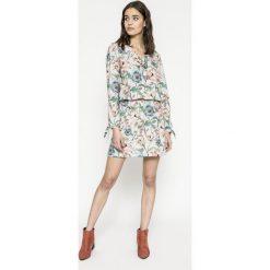 Answear - Sukienka Garden of Dreams. Sukienki damskie ANSWEAR, z elastanu, casualowe, z długim rękawem. W wyprzedaży za 89.90 zł.