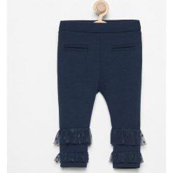 Spodnie z tiulowymi falbanki - Granatowy. Spodenki niemowlęce marki Reserved. W wyprzedaży za 19.99 zł.