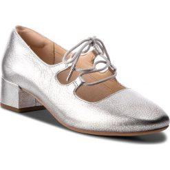Półbuty CLARKS - Orabella Sofia 261349684 Silver Leather. Szare półbuty damskie Clarks, z materiału, eleganckie. W wyprzedaży za 279.00 zł.