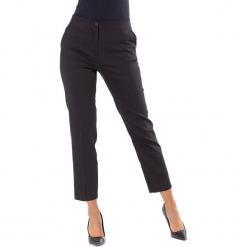 Spodnie w kolorze czarnym. Czarne spodnie materiałowe damskie Ryłko by Agnes & Paul. W wyprzedaży za 117.95 zł.