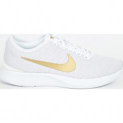 Nike Sportswear - Buty Dualtone Racer Se. Szare obuwie sportowe damskie Nike Sportswear, z materiału. W wyprzedaży za 299.90 zł.