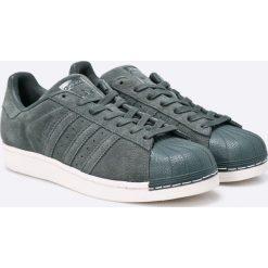 Adidas Originals - Buty BZ0200. Szare buty sportowe męskie adidas Originals, z materiału. W wyprzedaży za 239.90 zł.
