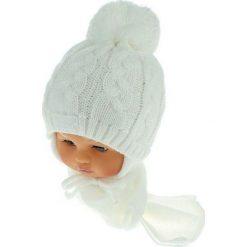 Czapka niemowlęca z szalikiem CZ+S 131A biała. Czapki dla dzieci marki Reserved. Za 39.76 zł.