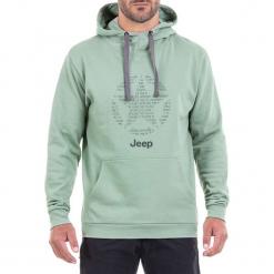 Bluza w kolorze jasnozielonym. Zielone bluzy męskie Jeep, z nadrukiem. W wyprzedaży za 114.95 zł.