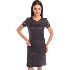 Czarna koronkowa sukienka BIALCON. Czarne sukienki damskie BIALCON, w koronkowe wzory, z koronki, eleganckie, z krótkim rękawem. W wyprzedaży za 200.00 zł.