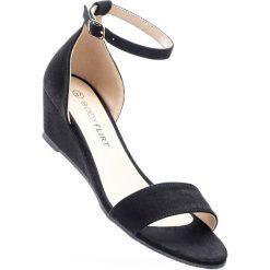 Sandały na koturnie bonprix czarny. Sandały damskie marki Nike. Za 74.99 zł.