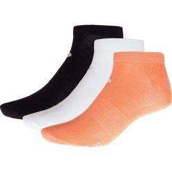 Skarpetki damskie (3 pary) SOD622 - biały + łosoś + czarny - Outhorn. Białe skarpety damskie Outhorn, z elastanu. W wyprzedaży za 14.99 zł.
