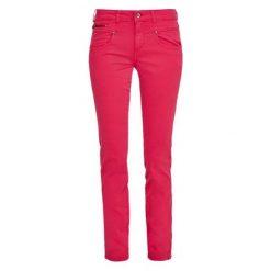 S.Oliver Jeansy Damskie 36/32 Burgund. Czerwone jeansy damskie S.Oliver. W wyprzedaży za 169.00 zł.
