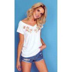 Bluzka t-shirt flowers k127. Białe bluzki damskie Knitis, z nadrukiem, z dzianiny, z klasycznym kołnierzykiem. Za 69.00 zł.