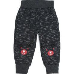 Czarne Spodnie Dresowe Response. Czarne spodnie sportowe dla chłopców Born2be, z dresówki. Za 29.99 zł.