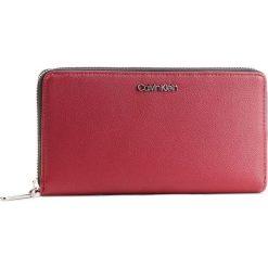 Duży Portfel Damski CALVIN KLEIN - Tack Large Ziparound Xl K60K604862 242. Czerwone portfele damskie Calvin Klein, ze skóry ekologicznej. Za 299.00 zł.
