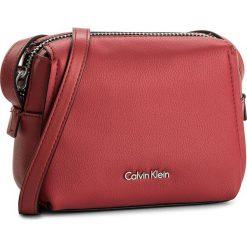 Torebka CALVIN KLEIN BLACK LABEL - Downton Small Cross K60K603902 618. Torebki do ręki damskie Calvin Klein Black Label. W wyprzedaży za 289.00 zł.