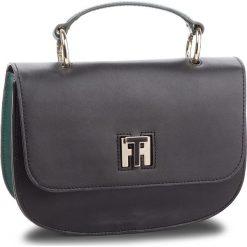 Torebka TOMMY HILFIGER - Th Twist Leather Med AW0AW05726 901. Czarne torby na ramię damskie Tommy Hilfiger. Za 1,099.00 zł.