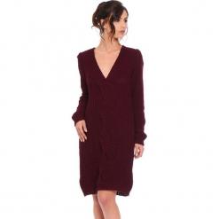 """Sukienka """"Samantha"""" w kolorze bordowym. Czerwone sukienki damskie Cosy Winter, ze splotem, z długim rękawem. W wyprzedaży za 159.95 zł."""