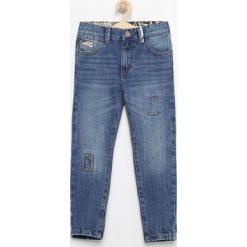 Jeansy carrot - Niebieski. Niebieskie jeansy dla chłopców Reserved. Za 129.99 zł.