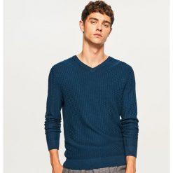 b18cc5fab3 ... sklepu Reserved - Kolekcja wiosna 2019. Sweter z dekoltem w serek -  Niebieski. Swetry damskie marki Reserved.