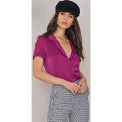 NA-KD Satynowa koszula z krótkim rękawem - Purple. Fioletowe koszule damskie NA-KD, z satyny, z krótkim rękawem. Za 40.95 zł.
