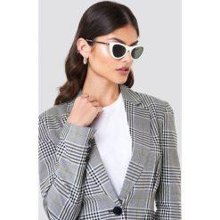 Le Specs Okulary przeciwsłoneczne Enchantress - White. Białe okulary przeciwsłoneczne damskie Le Specs. Za 242.95 zł.