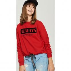 Bluza z nadrukiem - Czerwony. Czerwone bluzy damskie Sinsay, z nadrukiem. Za 49.99 zł.