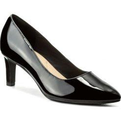 Półbuty CLARKS - Calla Rose 261322444  Black Patent Leather. Czarne półbuty damskie Clarks, z lakierowanej skóry. W wyprzedaży za 189.00 zł.