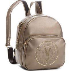 Plecak VERSACE JEANS - E1VSBBR7 70718 966. Żółte plecaki damskie Versace Jeans, z jeansu. Za 749.00 zł.