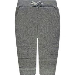 Spodnie dresowe w kolorze jasnoszarym. Spodnie sportowe dla chłopców Marc O'Polo, z bawełny. W wyprzedaży za 45.95 zł.