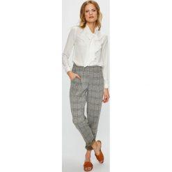Vero Moda - Spodnie. Szare spodnie materiałowe damskie Vero Moda, z elastanu. W wyprzedaży za 99.90 zł.
