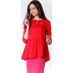 Zwiewna Czerwona Bluzka z Falbanką Wiązana przy Dekolcie. Czerwone bluzki damskie Molly.pl, biznesowe, z falbankami, z długim rękawem. Za 149.90 zł.