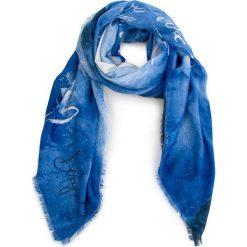 Chusta DESIGUAL - 18WAIF02 5054. Niebieskie szaliki i chusty damskie Desigual, z materiału. W wyprzedaży za 179.00 zł.