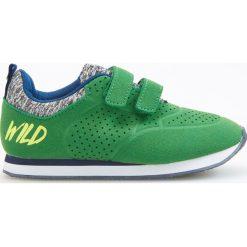 Sportowe buty na rzep - Zielony. Buty sportowe chłopięce marki bonprix. Za 79.99 zł.