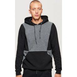 Bluza z kieszenią - Czarny. Czarne bluzy męskie Cropp. Za 119.99 zł.
